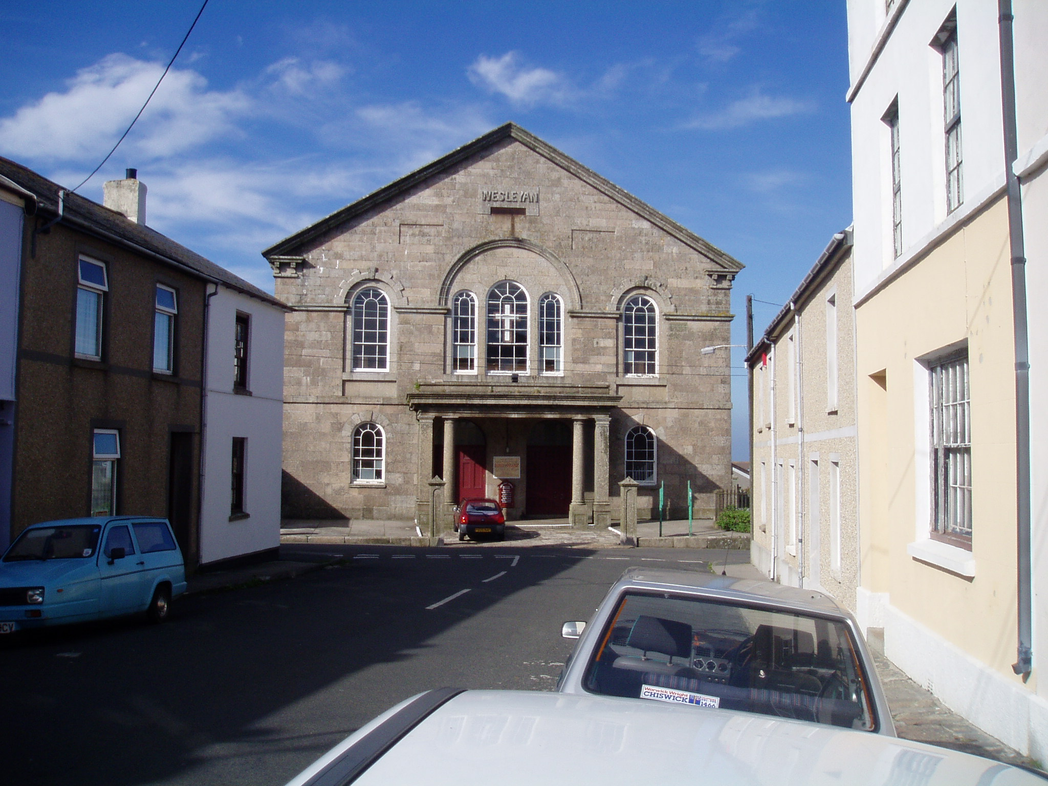 wider view of Wesleyan Chapel
